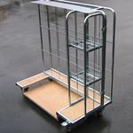 Rollbehälter - Kartons und Kleinteile